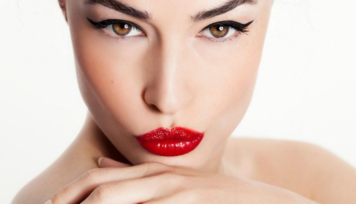 Loreal-Paris-BMAG-Article-The-Best-Makeup-Techniques-For-Different-Eyeliner-Styles-D
